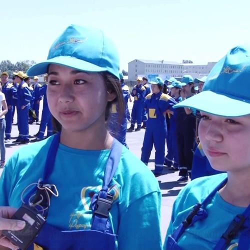 Студенты колледжей Алматы устроили акцию против коррупции