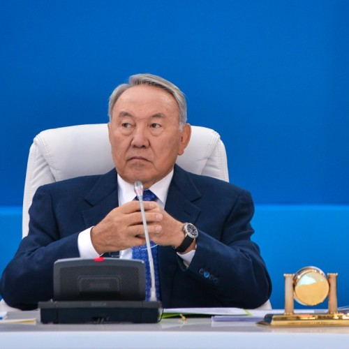 Назарбаев в фильме предупредил родственников и друзей