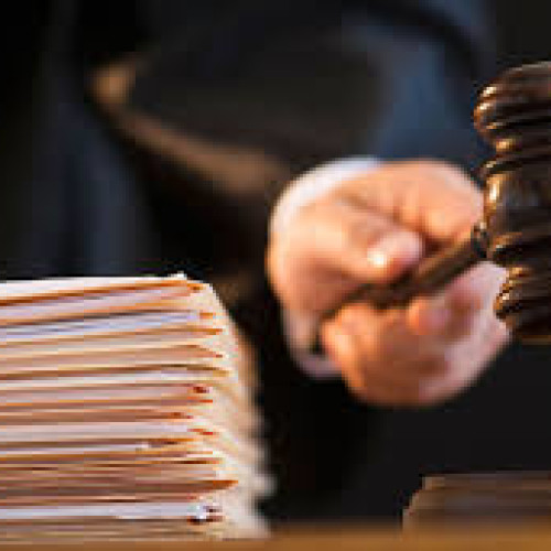 В Костанае судят полицейского за взятку