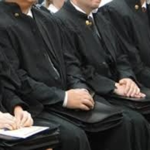 В Кыргызстане судей и кандидатов в судьи обязали декларировать имущество