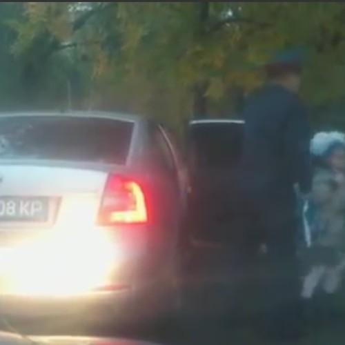 Полицейский в Костанае использует служебное авто в личных целях