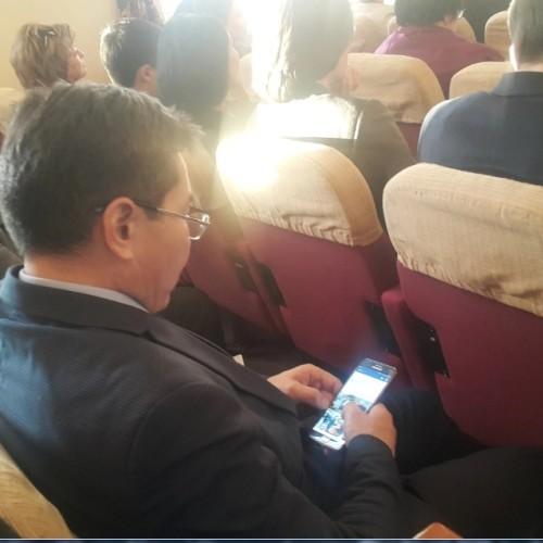 Чем занимались чиновники во время выступления Сапарбаева