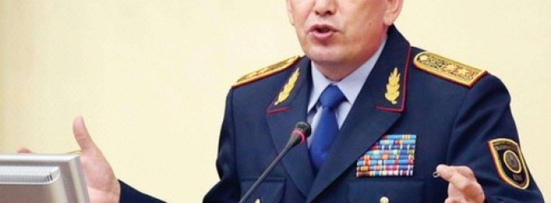 Министр МВД готов уволить всех полицейских
