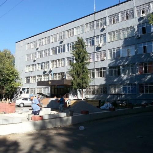 О высоких заборах вокруг РУВД Алматы