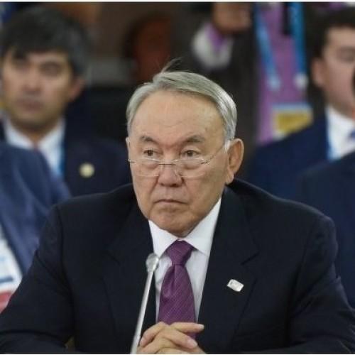Назарбаев пообещал уволить отпугивающих инвесторов чиновников