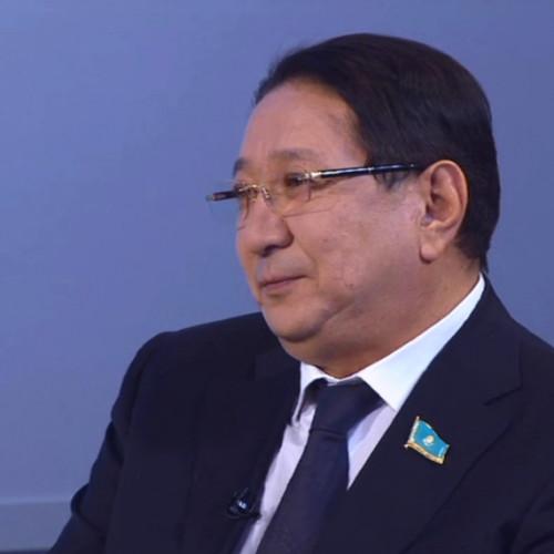 Депутат извинился за комментарий об умершем в ЦОНе посетителе