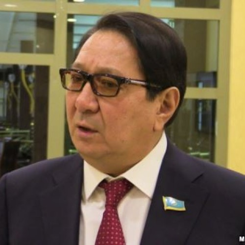 По закону о депутатах Жамалов должен извиниться