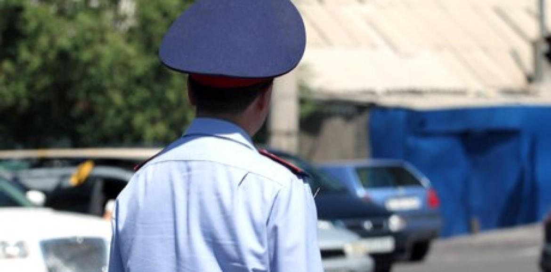 В Павлодарской области пьяный полицейский протаранил пять авто