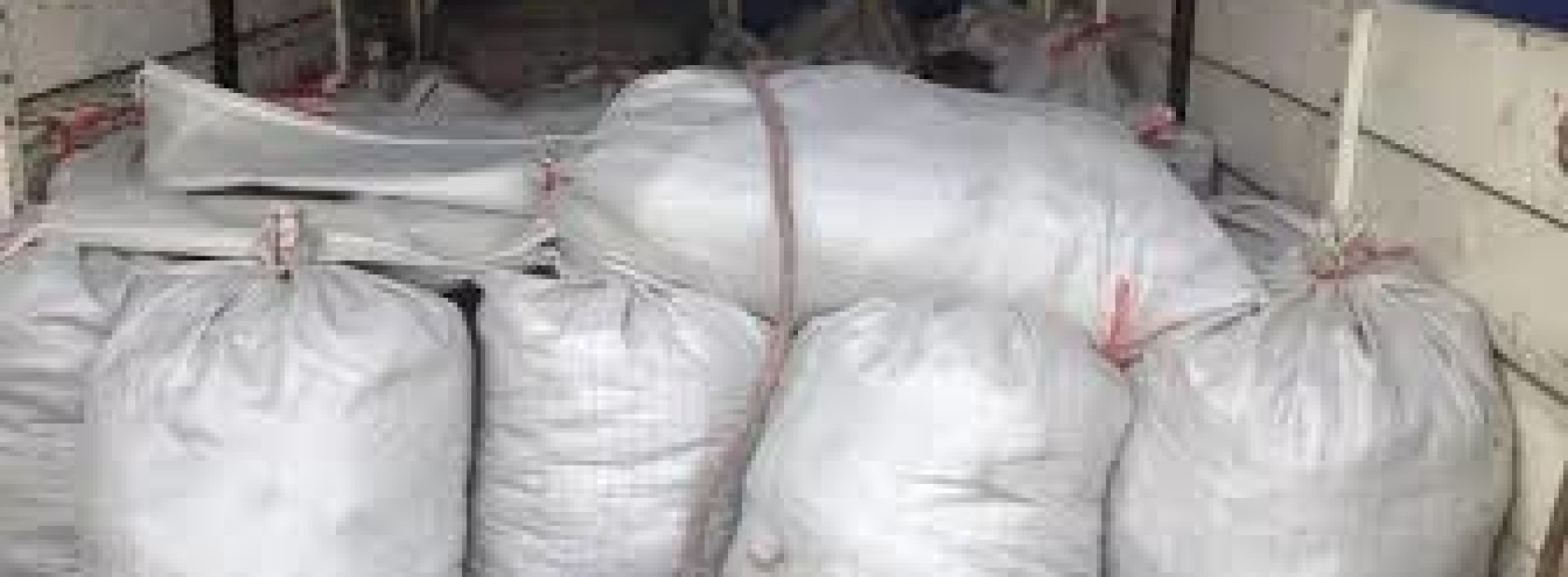 Взятку навозом потребовал сельский аким в Атырауской области