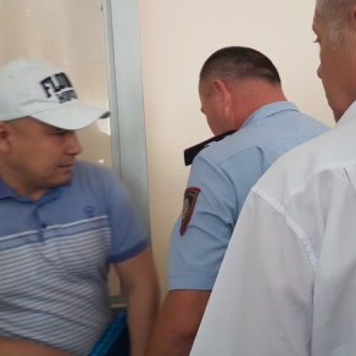 Выслушал приговор со слезами на глазах: 7 лет получил судья из Шымкента за взятку