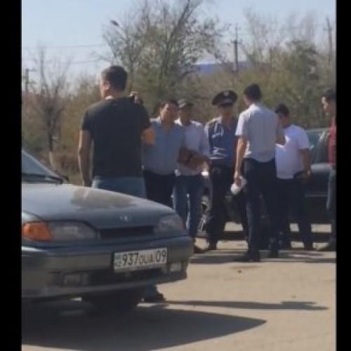 Видео задержания замначальника МПС города Сатпаев появилось в сети