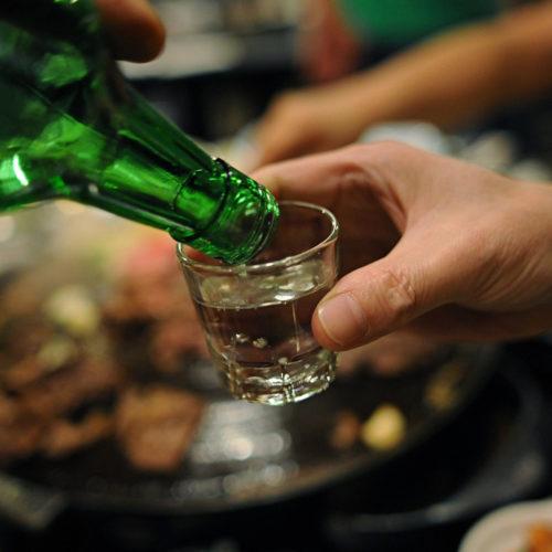 Замакима уволили за распитие алкоголя с подчиненными