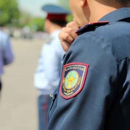 Полицейского за нарушения ПДД наказали в Уральске