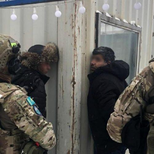 КНБ опубликовал видео задержания участника транснациональной ОПГ