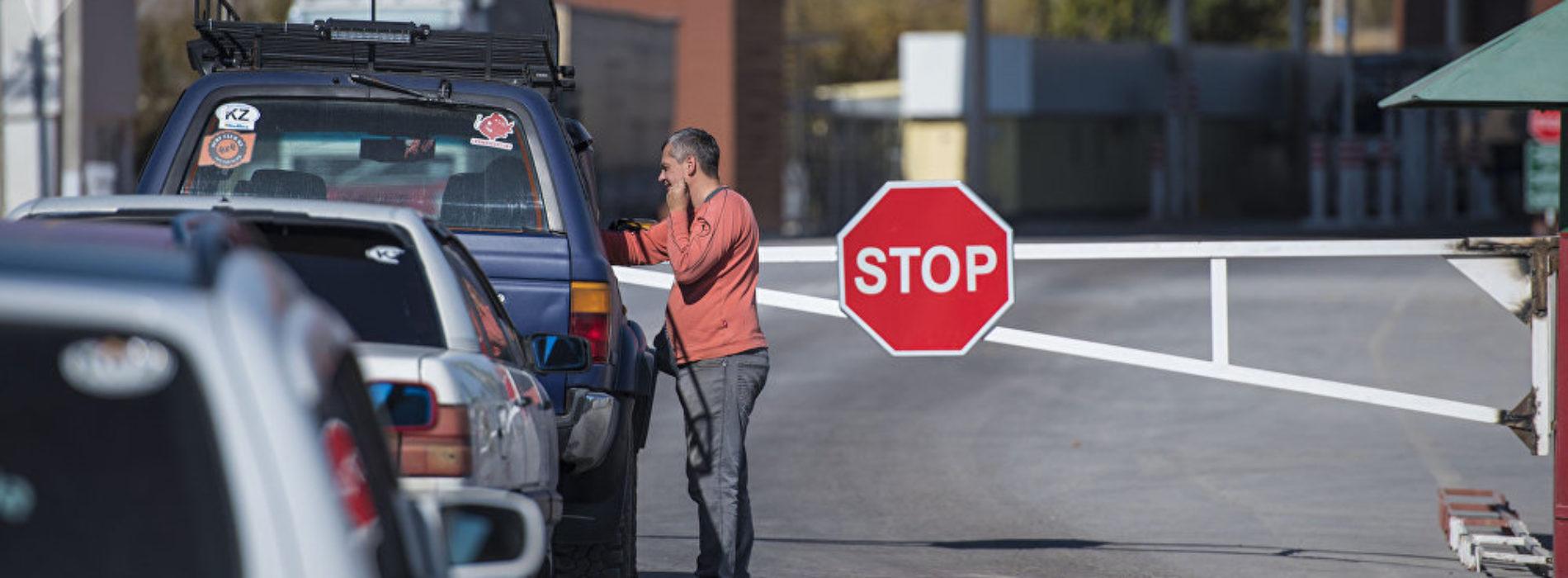 На что жалуются иностранцы, пересекая границу Казахстана