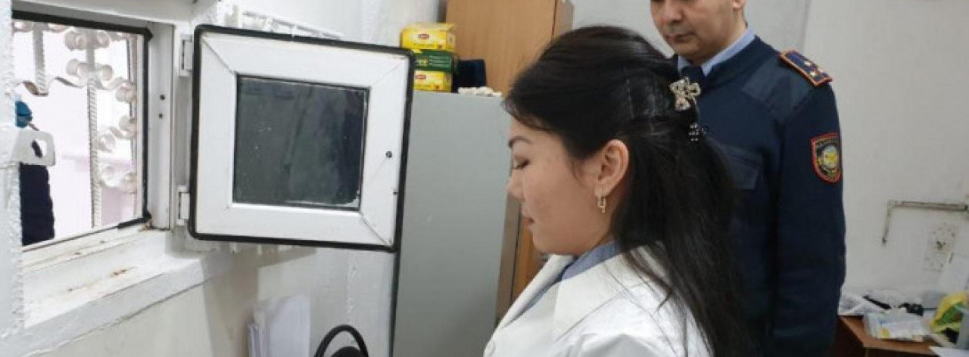 В Атырау директору ломбарда пытались передать деньги в СИЗО