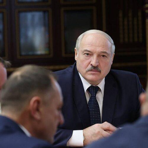 Лукашенко заявил, что не держится за власть