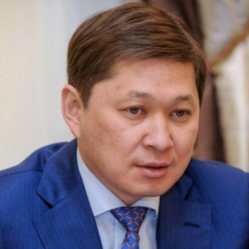 В Кыргызстане «потеряли» экс-премьера Исакова, который должен был вернуться в тюрьму
