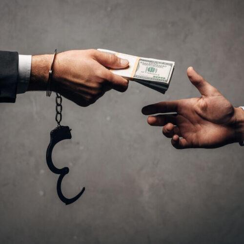 «Краш-тест на честность»: Кто из казахстанских чиновников попал в коррупционные скандалы за время пандемии?