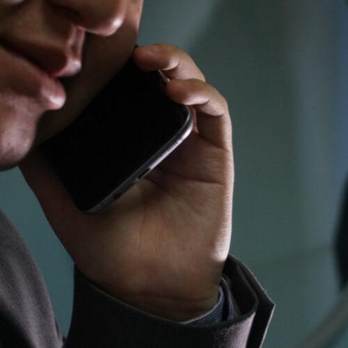 Телефоны на 51 миллион тенге хотели закупить чиновники в Павлодаре