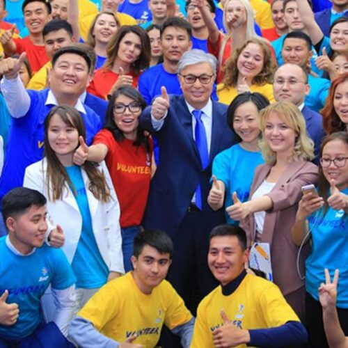 Токаев поблагодарил казахстанских волонтеров за работу