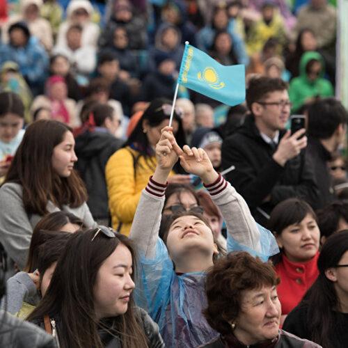 Имена первых 12 из 100 «честных казахстанцев» опубликуют в стране
